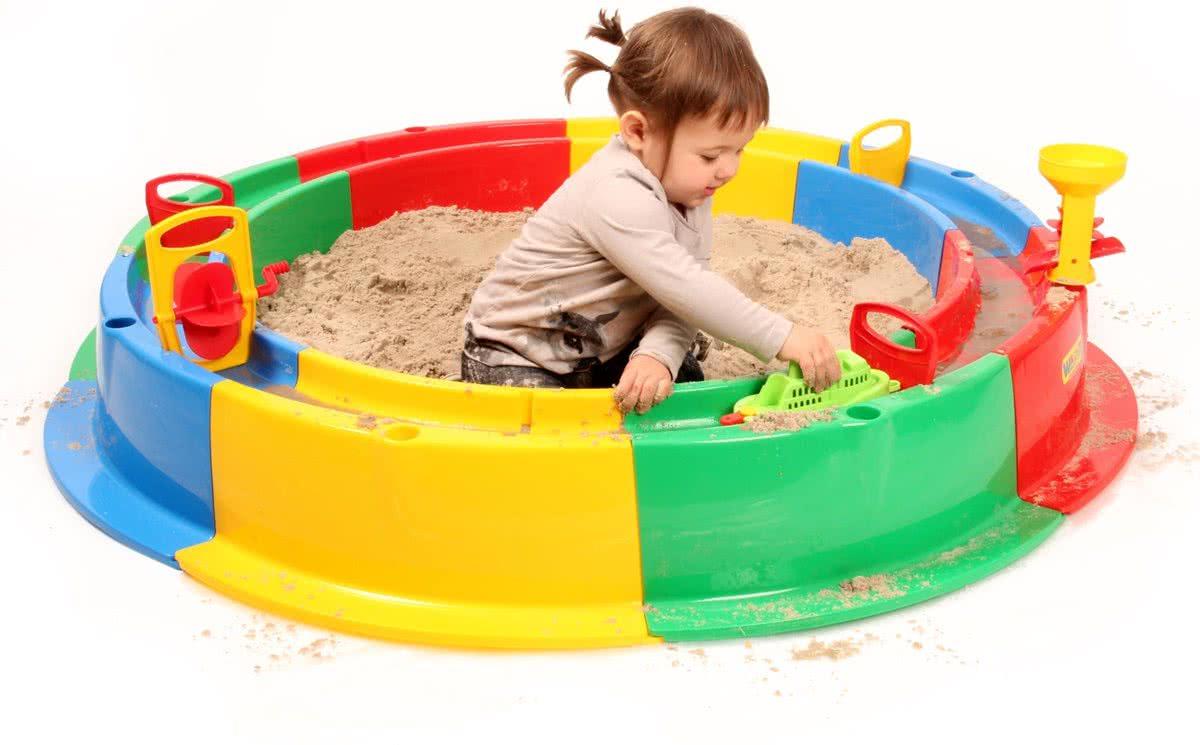 zandbak met waterbaan