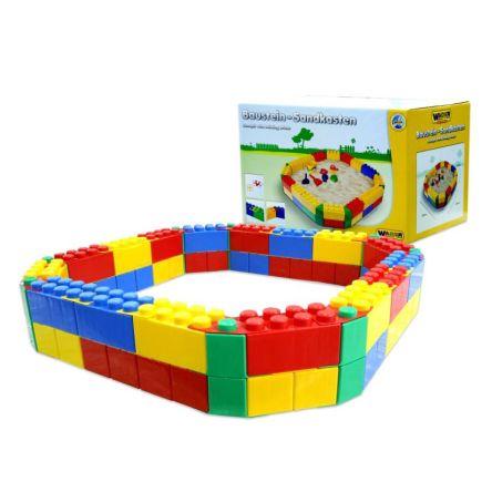 Zandbak van lego bouwstenen polesie