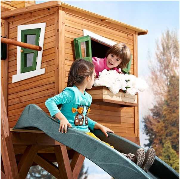 Scheef speelhuis Max met glijbaan en zandbak